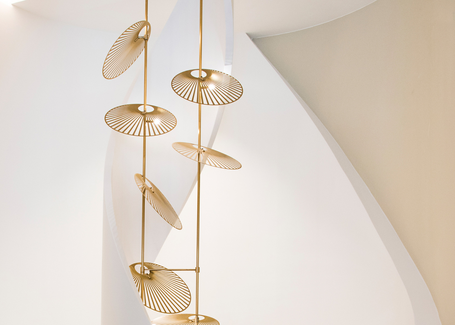 Product-Leaf-Luum-Lighting